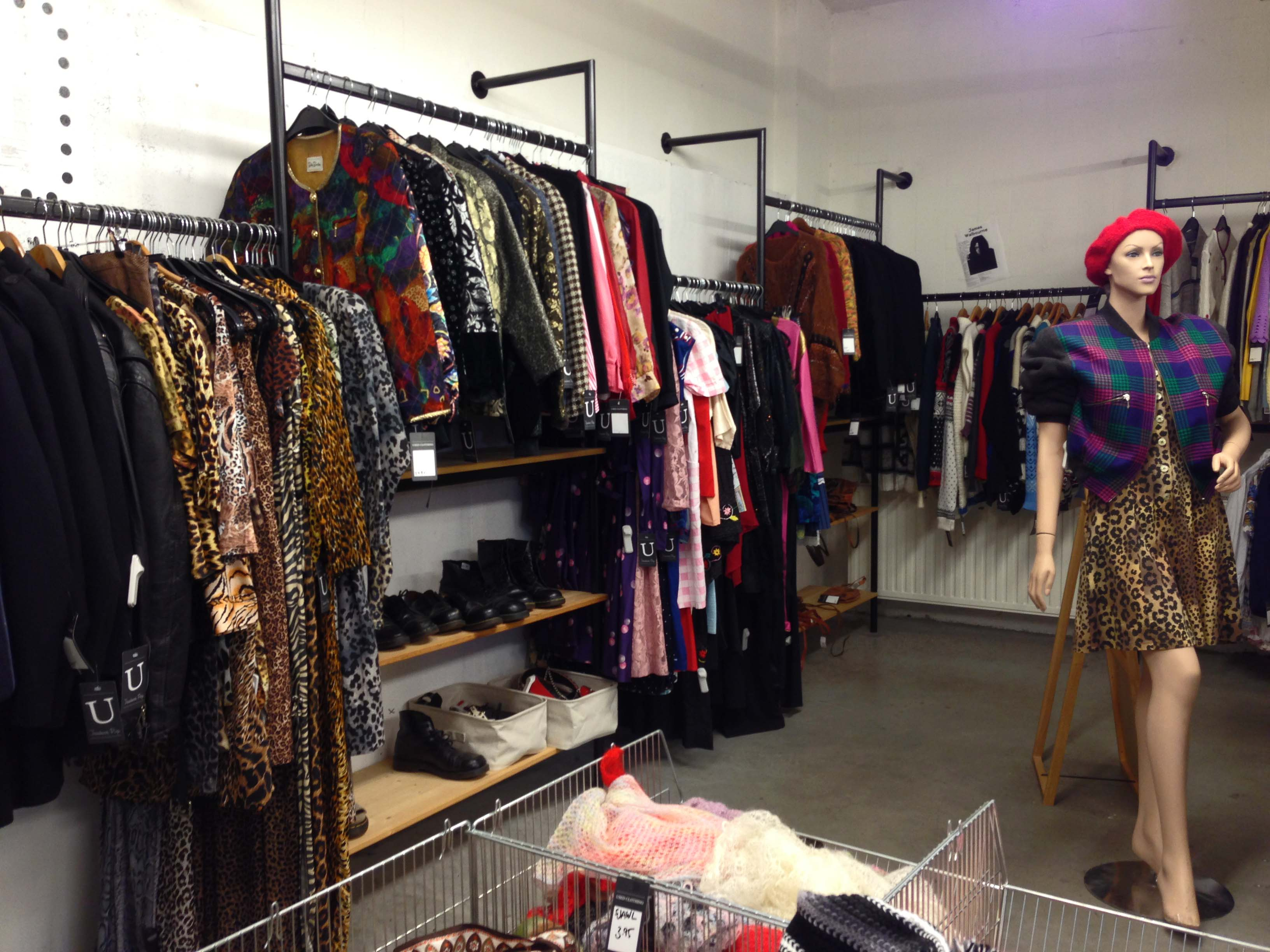 Collection clothing store Cheap online clothing stores