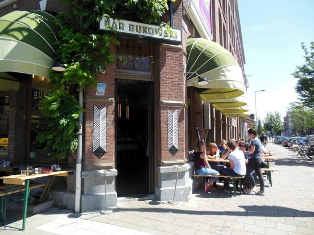 Bar Bukowski Amsterdam: cafe en restaurant hotspot in Amsterdam Oost