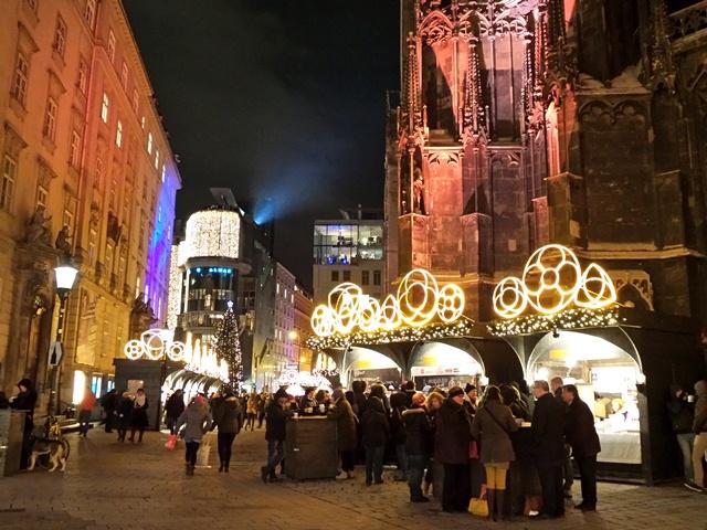 stephansdom-market-vienna
