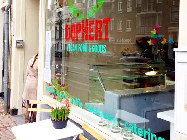 Dophert Amsterdam: a vegan hotspot at the Spaarndammerstraat