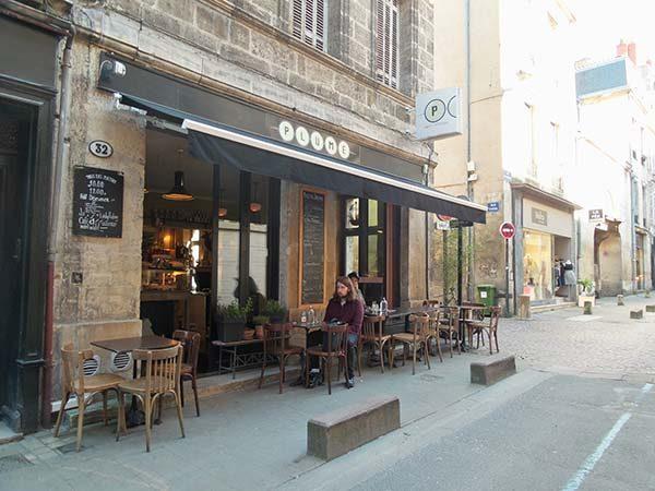 Plume Bordeaux