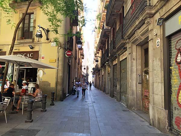 vluchten barcelona tot amsterdam