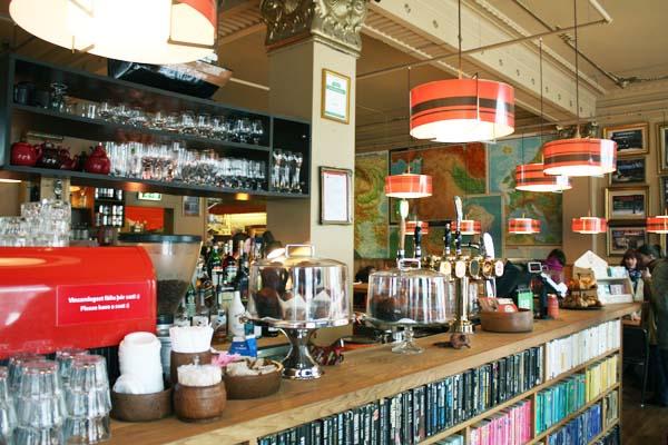 laundromat-cafe-reykjavik-1