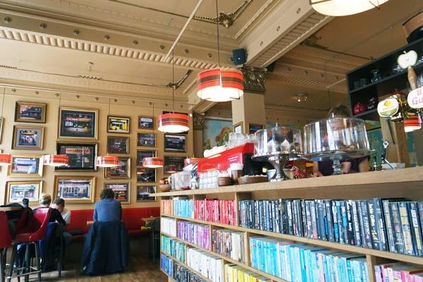 laundromat-cafe-reykjavik-2