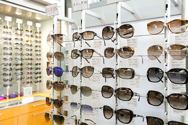 schiphol-see-buy-fly-sunglasses