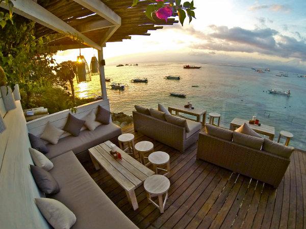 the deck nusa lembongan bali