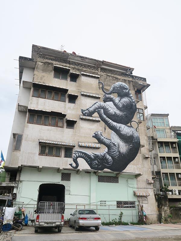 roa street art bangkok