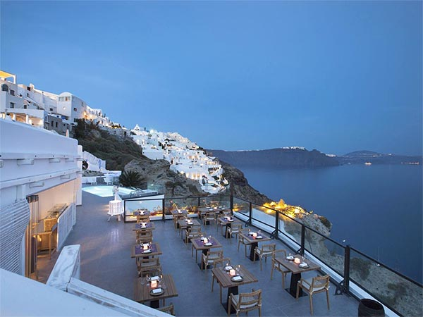Black Rock restaurant oia Santorini