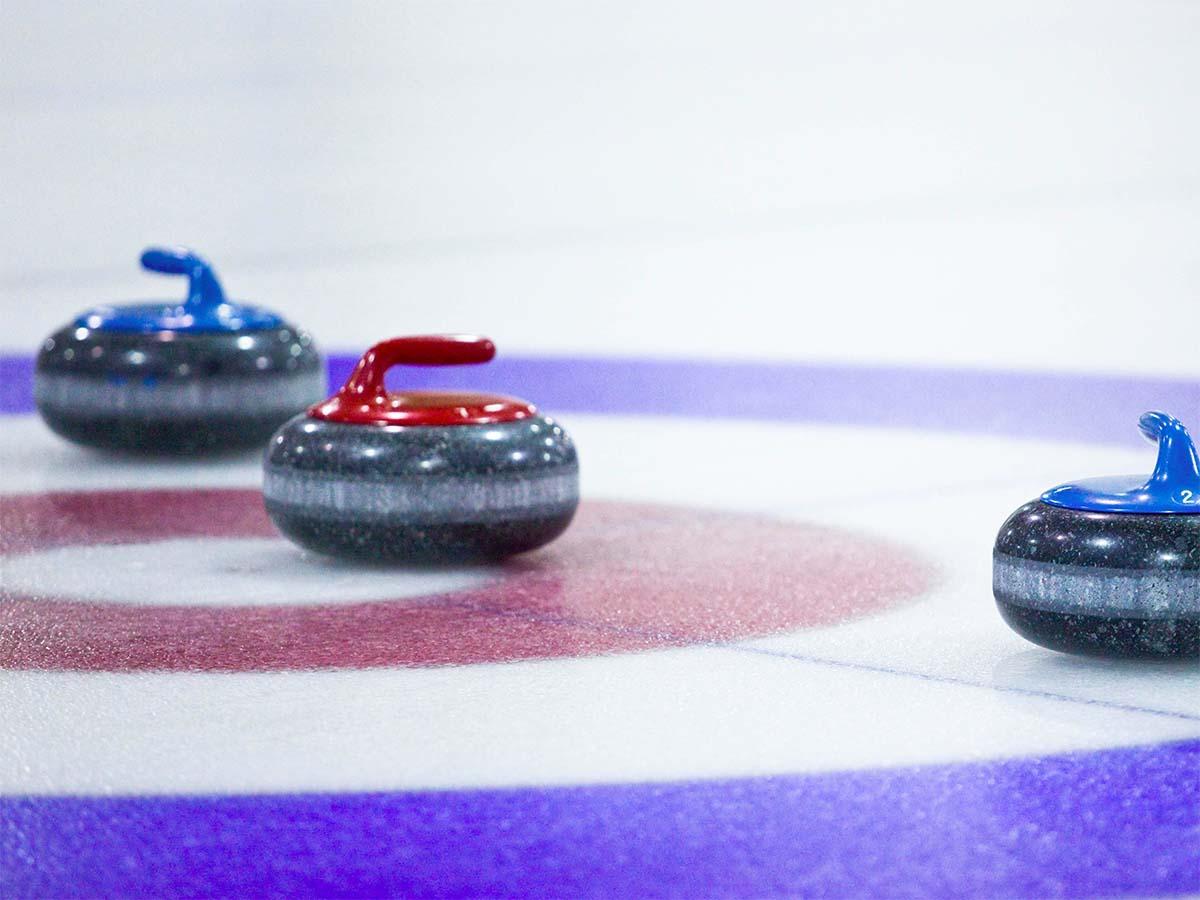 aca0276c0af Curling op 85 meter hoge rooftop! Dit is de nieuwe winter pop-up van  Floor17 | Your Little Black Book | Bloglovin'