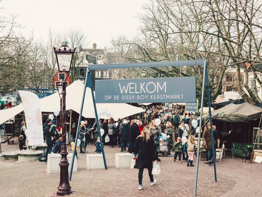 Sissy Boy Hangstoel Te Koop.Sissy Boy Christmas Market 2017 Amsterdam December 9 At The