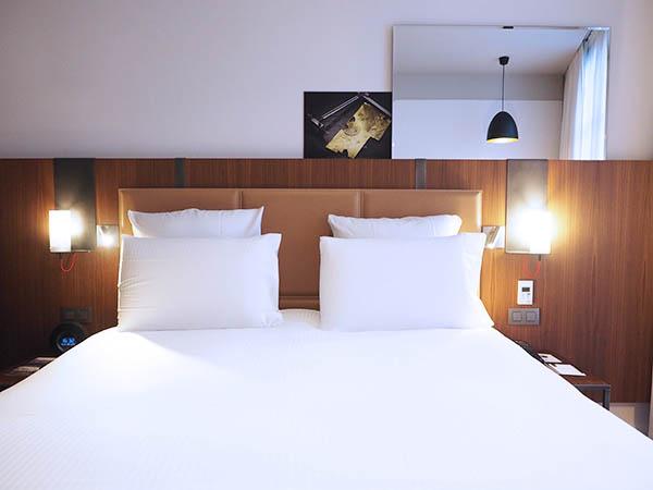 Hotel bastille boutet parijs review your little for Bastille hotel
