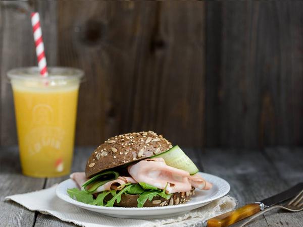 rder healthy breakfast in Amsterdam
