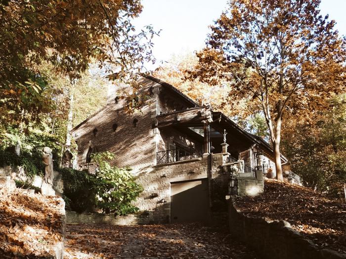 Trumpet house