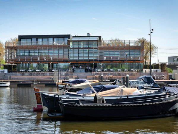 25 x De leukste terrassen per boot in Amsterdam // Your ... George Marina Amsterdam