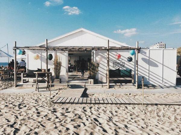 strandtenten in Nederland hippie fish zandvoort