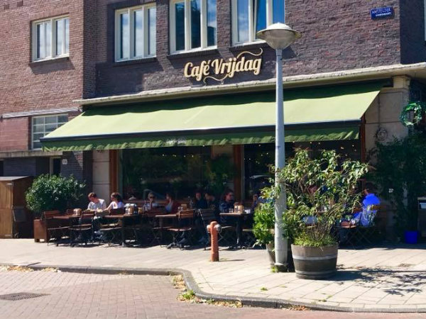 cafe vrijdag amsterdam