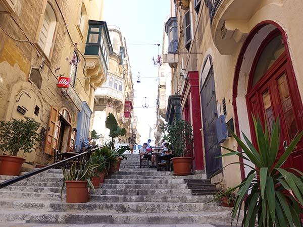 valletta malta travel guide