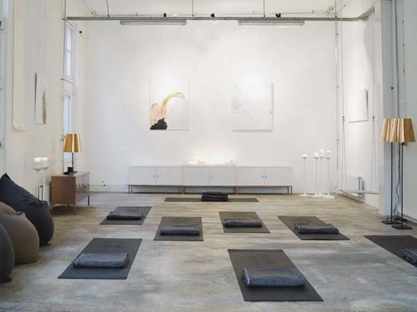 yoga scholen amsterdam