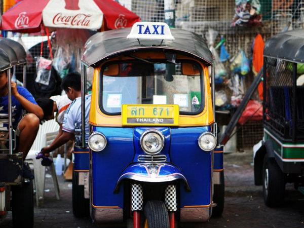 bangkok travel tips tuk tuk