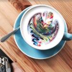 kleurrijke lattes wereldwijd