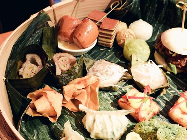 Happy happy joy joy amsterdam aziatische high tea