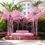 refuge roze installatie tuin moco museum amsterdam