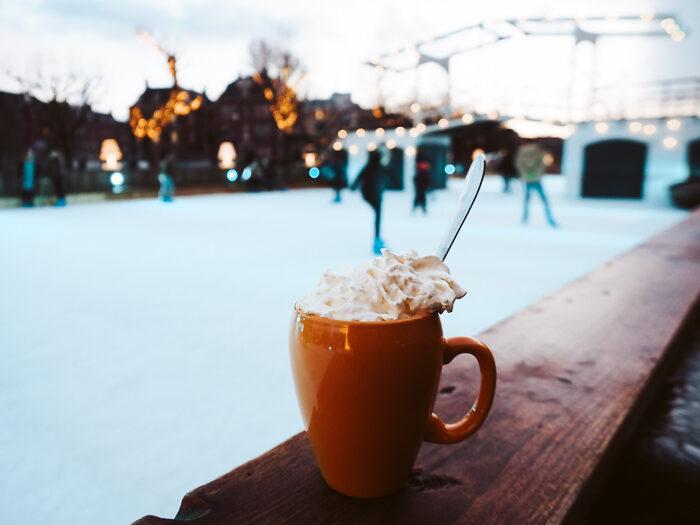 ice amsterdam schaatsbaan museumplein