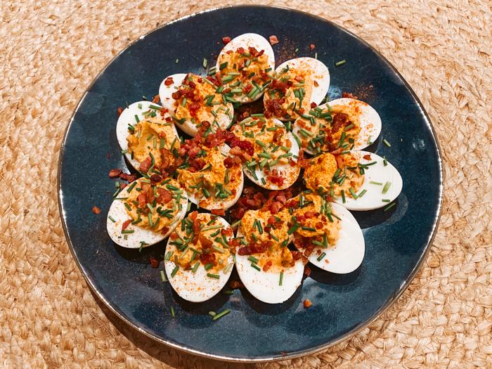 spicy deviled eggs recept